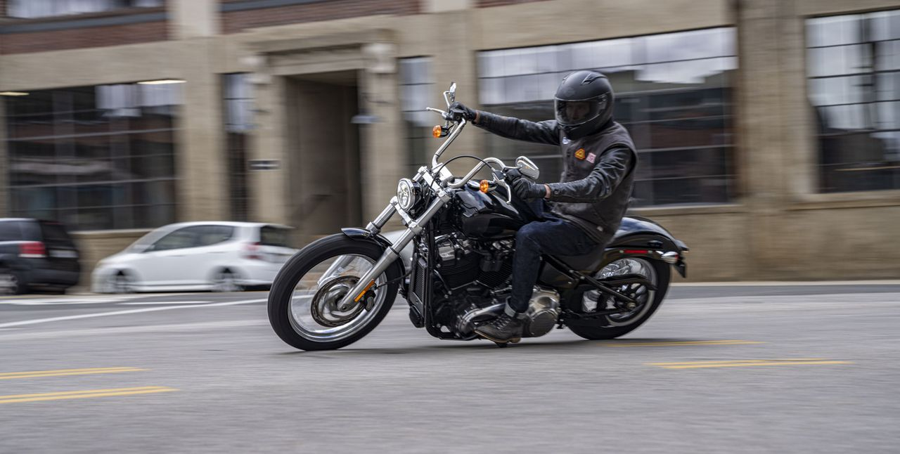 H-D Softail Standard Action Foto